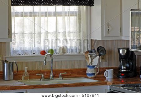 Vintage kitchen with old fashioned porcelain sink lace curtains ...