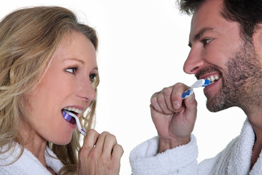 Back To Basics: The DO's And DON'Ts Of Toothbrushing - Midway Dental Center