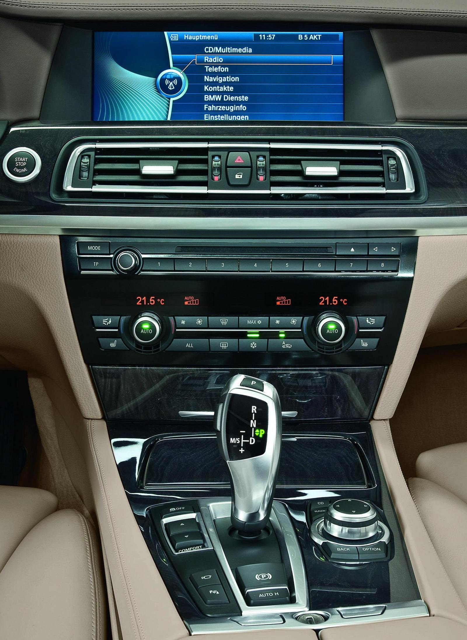 gallery: 2009 BMW 7-Series
