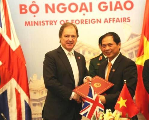 đối thoại chiến lược, Anh, quốc phòng, Biển Đông