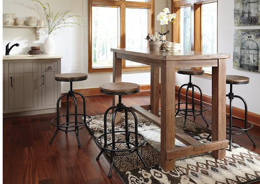 Pinnadel Bar Table w/ 4 Tall Swivel Stools Stools
