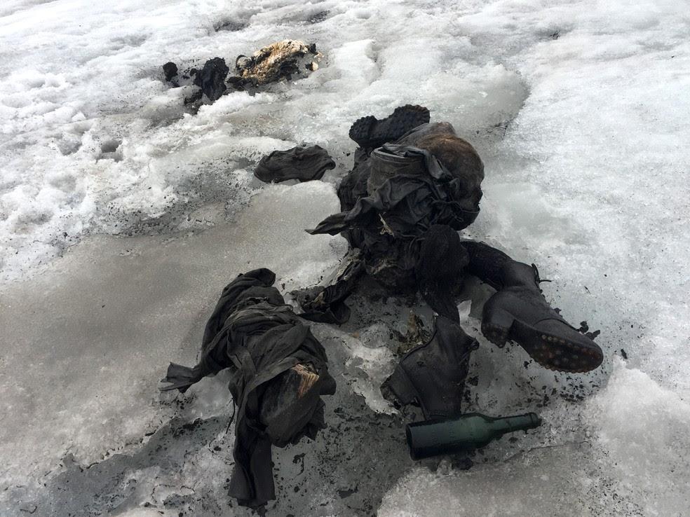Corpos estavam desaparecidos há 75 anos nos Alpes (Foto: handout / Glacier 3000 / AFP )