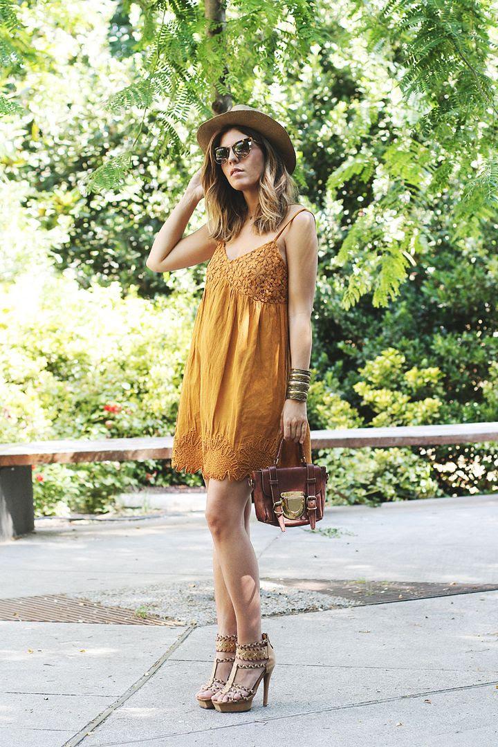 photo yellow-dress-street-style-1_zpsitg4ei1i.jpg