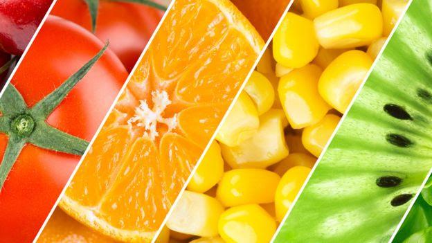 Tomates, naranhas, maíz y kiwi