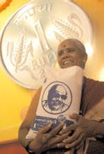 http://nkashokbharan.files.wordpress.com/2009/06/one-rupee-rice.jpg