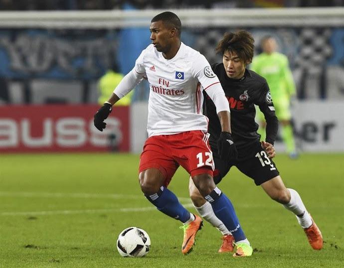 Walace estreou com a camisa do Hamburgo contra o Colônia (Foto: EFE)