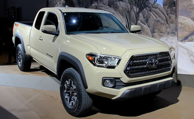 2016 Toyota Tacoma Bows With New Powertrains in Detroit