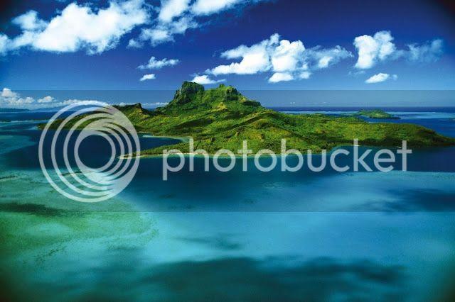 Surga Indah di Tengah Samudra Pasifik