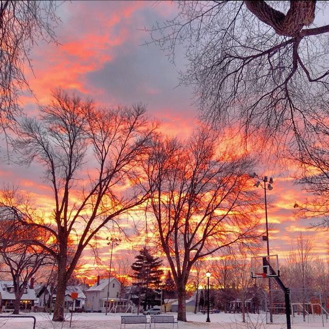 http://stuffaboutminneapolis.tumblr.com/post/108934238739/santaerik-alright-already-heres-my-sunrise