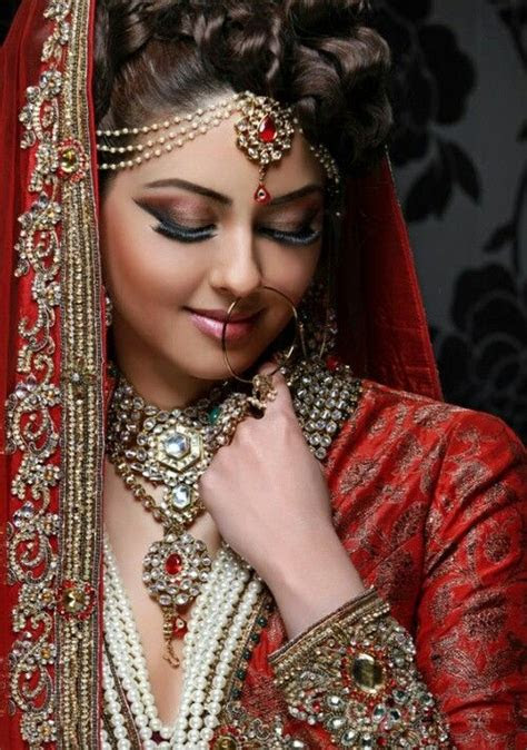 north indian bridal wedding hairstyle ideas