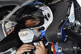Kyle Larson edges Chase Elliott for Bristol pole