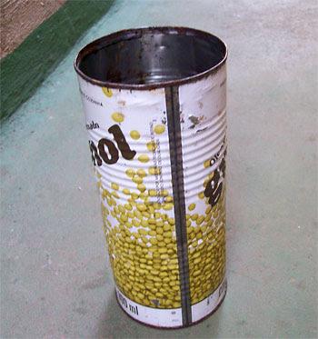 Acrescente 4 litros de óleo vegetal usado