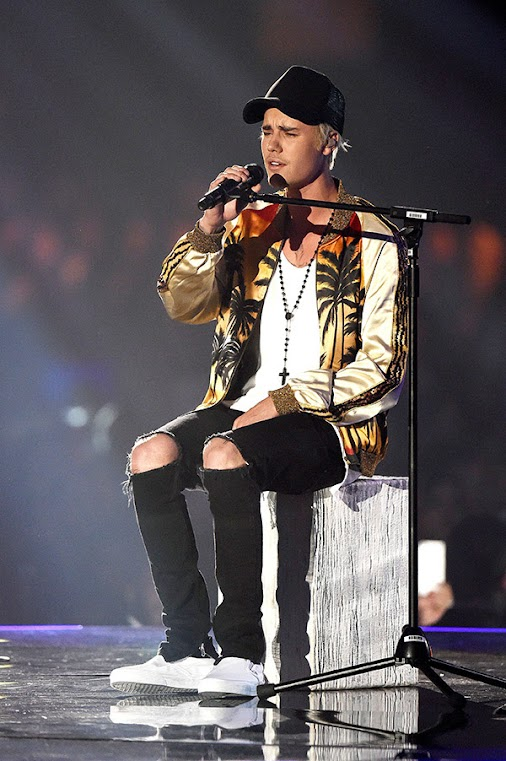 Why Justin Bieber Canceled The Rest of His Purpose Tour & wants Taylor Swift-Style Break #celebs #celebrities...