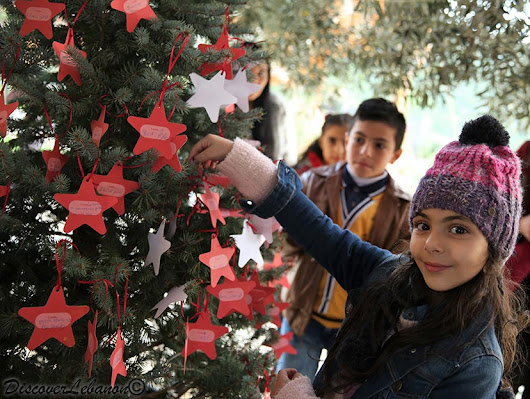 Discover Lebanon Image Gallery / People / Girl writing wish christmas