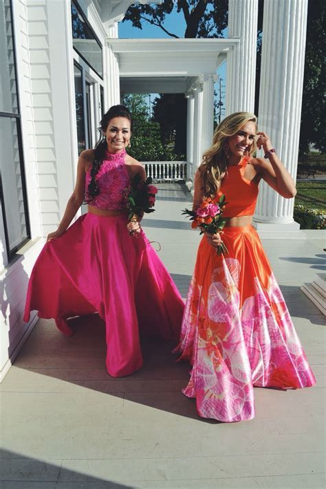 Best friend prom pictures   formal   Prom dres, Prom