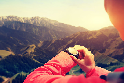 3 Best GPS Watches for Hiking with Pros and Cons
