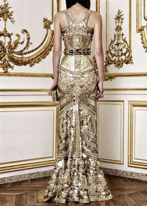 Gilded Black and Ivory Wedding Inspiration   OneWed