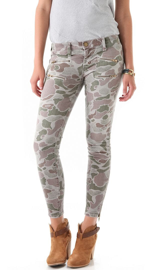 Current/Ellliott The Multi Zip Stiletto Jeans in Camo