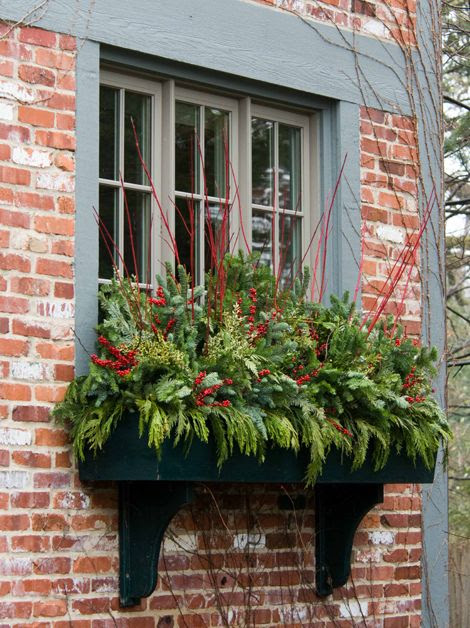 20 Easy Holiday Window Box Ideas Page 15 Of 22 Bless My Weeds