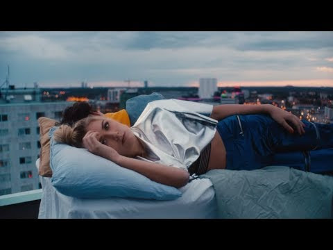 """Clara Mae - """"Rooftop"""" (Official Music Video)"""