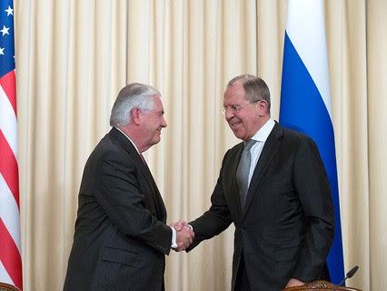 Госсекретарь США Рекс Тиллерсон и министр иностранных дел РФ Сергей Лавров
