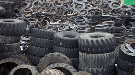 Shredding Tires to Turn Them into Flower Pots