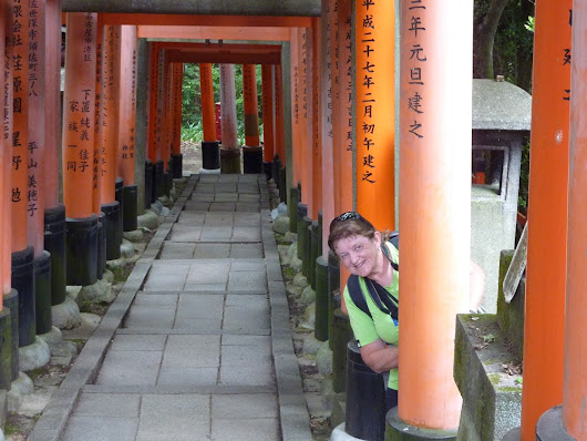 Our teacher Sally explores Japan and meets her former students   - Languages International
