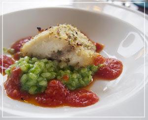 青菜のリゾットが最高だった、白身魚のお皿。