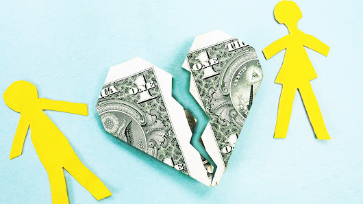 How to avoid financial disaster during divorce