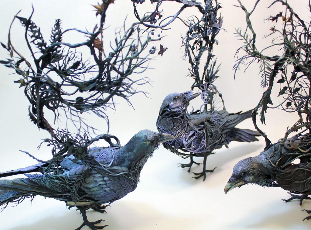 As esculturas surrealistas de Ellen Jewett mesclam plantas e vida animal 09