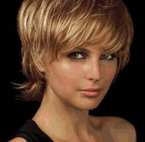 Coupe Cheveux Carre Court Degrade Effile