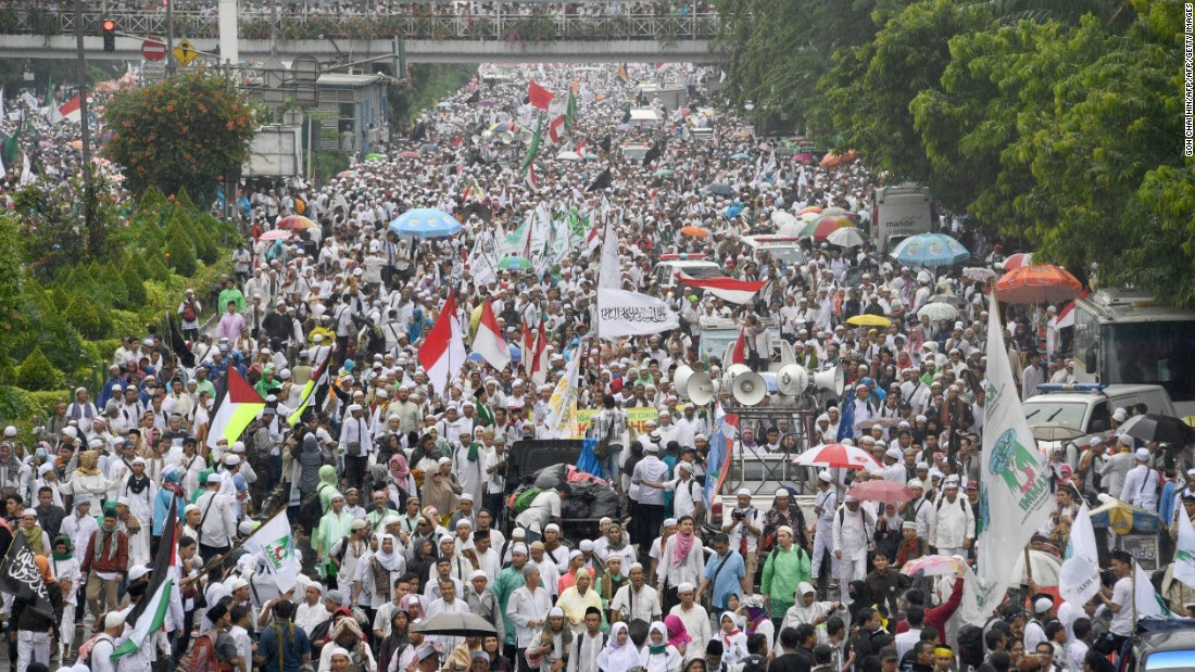 Indonesia protest: 200,000 march against Christian governor of Jakarta  CNN.com
