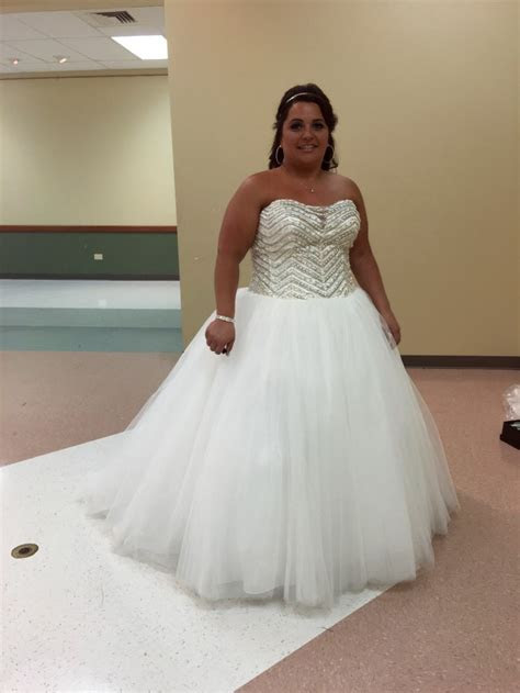 David's Bridal Bling princess Wedding dress Preowned