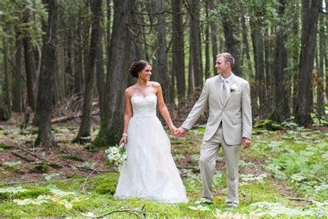 Door County Wedding at Gordon Lodge.   Outdoor Ceremonies