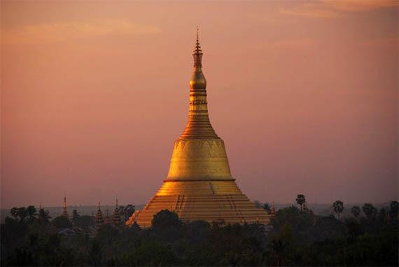 pagoda_mon