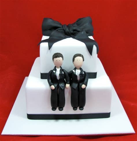 Baker refuses to make same sex wedding cake