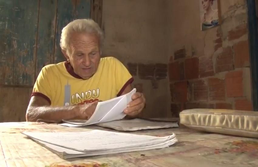 Seu Chico tem 75 anos e cursa nível superior de pedagogia (FOTO: Reprodução TV Jangadeiro)
