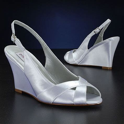 Best 25  Bridal wedges ideas on Pinterest   Outdoor