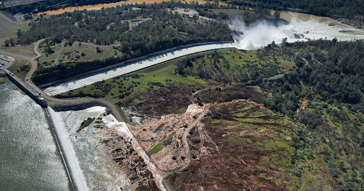 Thousands in California Told to Evacuate Amid Fears of Flooding at Lake Oroville - The New York Times