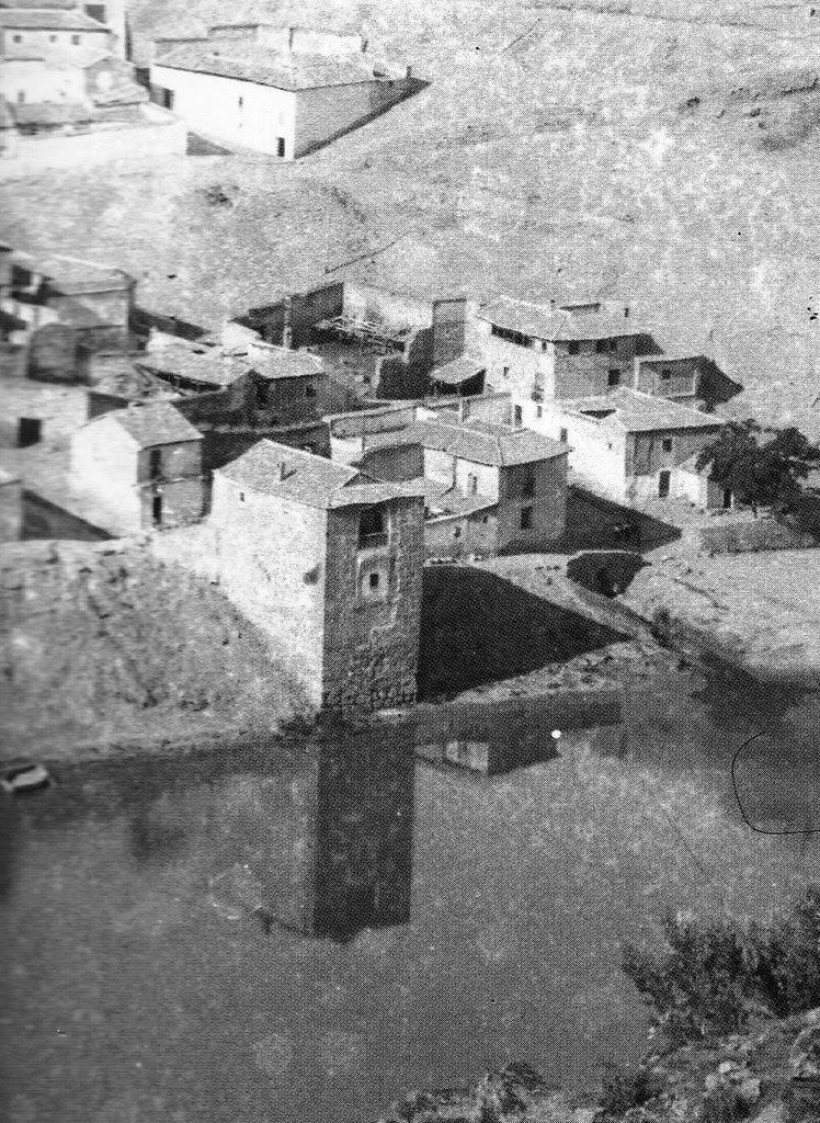 Torre del Hierro hacia 1887. Fotografía de Casiano Alguacil (detalle)