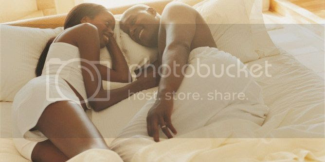 photo black-couple-in-bed.jpg