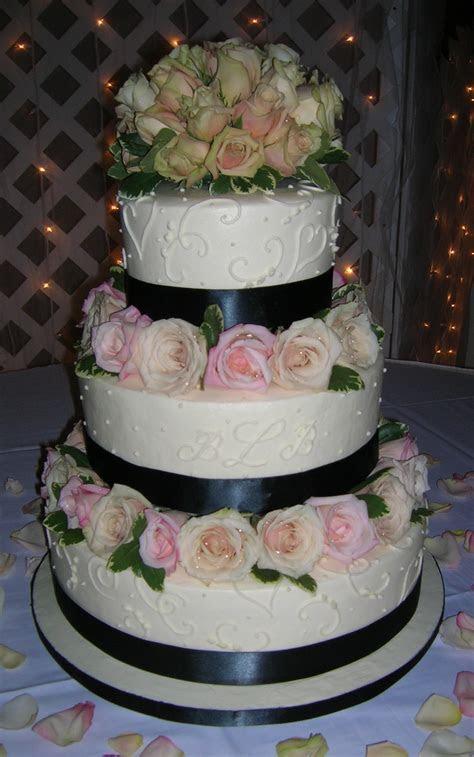 2 3 Tier Round Cakes