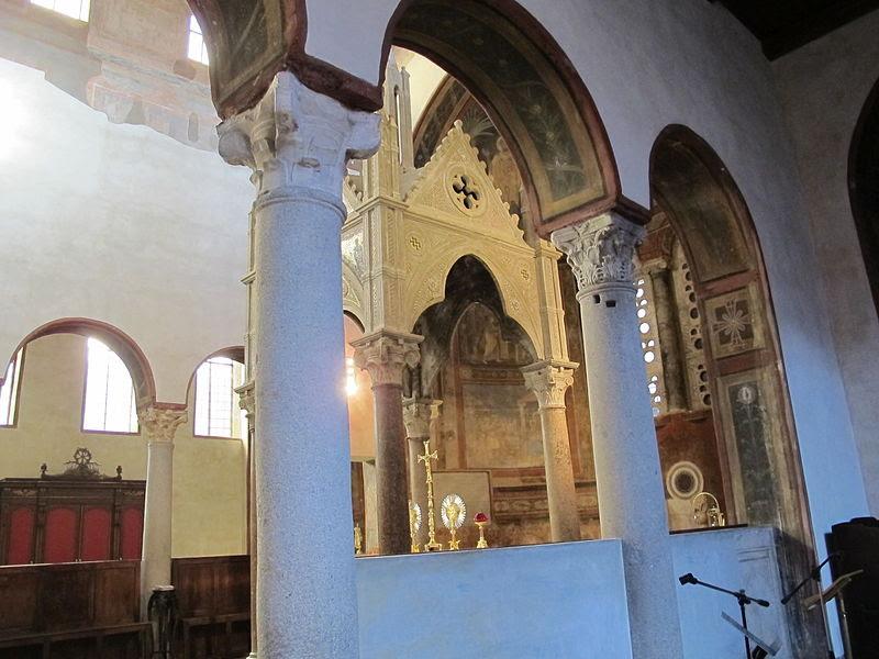 Santa maria in cosmedin, interno 06.JPG
