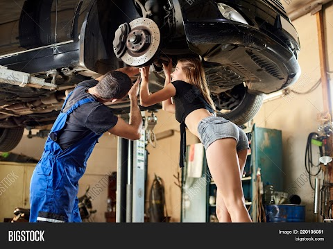 Sexy Girl Mechanic Pictures Exposed (#1 Uncensored)