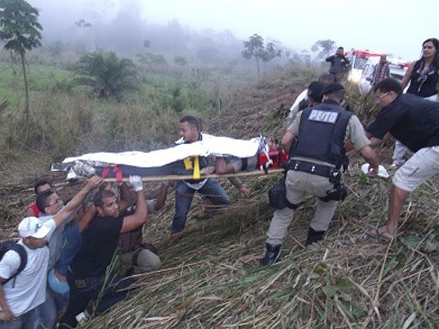 Ônibus capota na BR-330 e deixa 40 feridos na Bahia, diz PRF (Foto: Giro em Ipuaú/Divulgação)