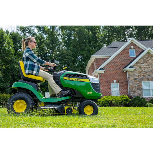 John Deere D125 Lawn Tractor Review - How Does Your Garden Mow