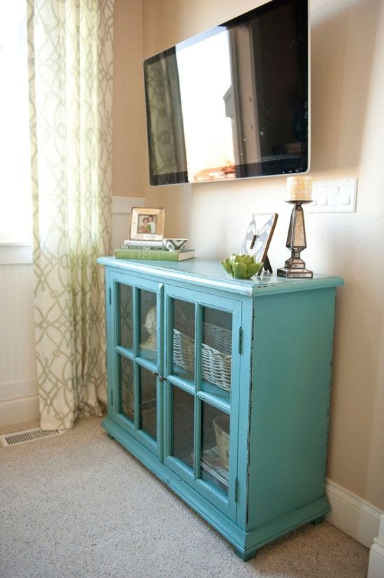 Looking for decorating ideas for your house? If so, check out what you can do with old furniture.