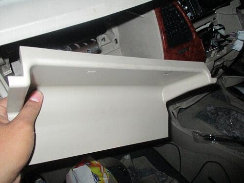 kemudain tarik panel switch AC mulai dari kawasan asbak  tersebut mengikuti garis hijau sa DIY : Bongkar Dashboard Toyota Innova