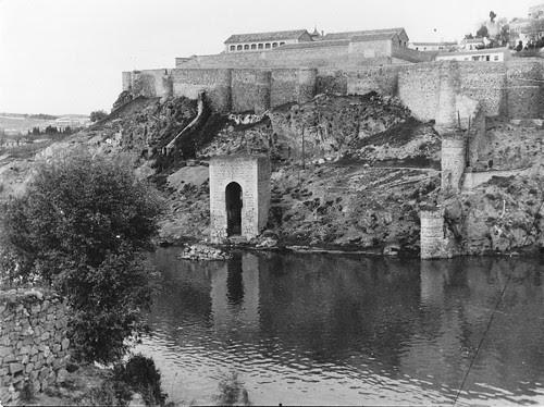 Baño de La Cava (Toledo) el 1 de abril de 1967. Fotografía de Eduardo Butragueño Bueno