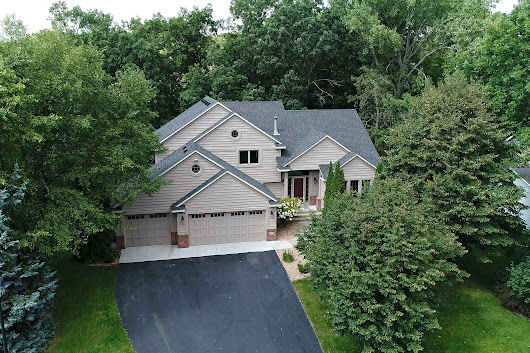 Beautifully Updated Lakeville Home for Sale from Realtor Sheryl Petrashek